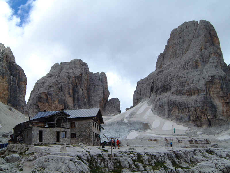 Dolomiti di Brenta - vista sul rifugio Alimonta